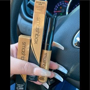 Smashbox studio skin concealer